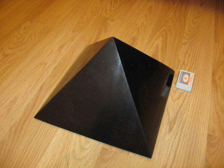 large_pyramid_25sm