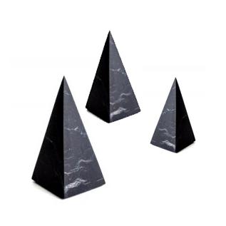 Пирамиды из шунгита высокие